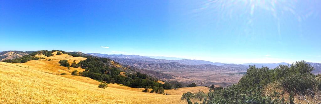 Hiking Volcan Mountain near Julian