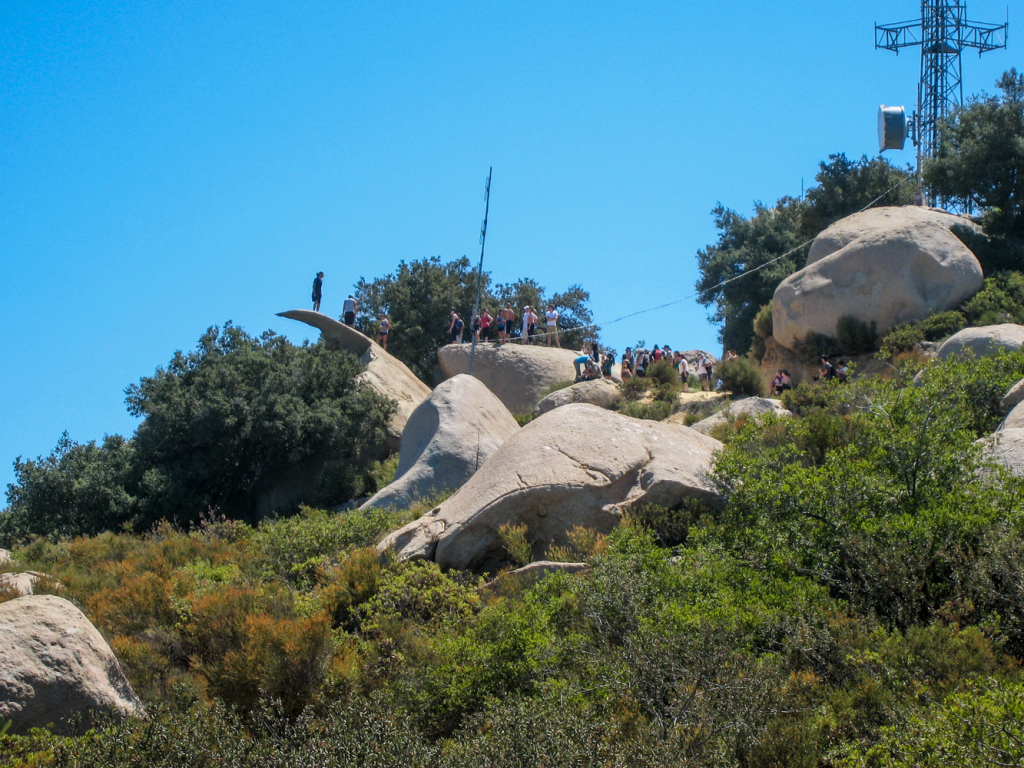 A typical busy weekend day on Potato Chip Rock