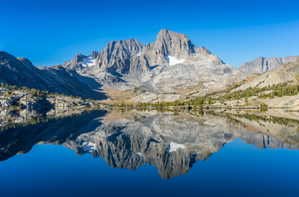 Hiking to Garnet Lake from Agnew Meadows in the Mammoth Lakes Area